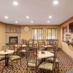 Best Western Plus Lincoln Sands Oceanfront Suites Breakfast Area